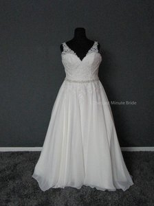 Mori Lee Ivory/Silver Chiffon Lace 3214 Feminine Wedding Dress Size 16 (XL, Plus 0x)