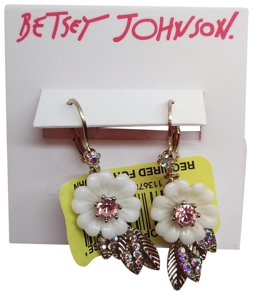 Betsey Johnson White And Pink New Flower Earrings Tradesy