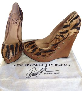 Donald J. Pliner Camel/brown Wedges