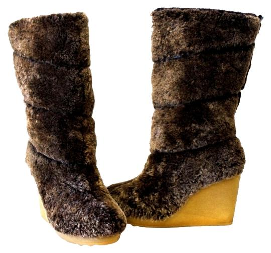 Preload https://item3.tradesy.com/images/tory-burch-java-kiki-shear-ling-sheep-fur-tall-uk-wedge-sold-out-bootsbooties-size-us-7-regular-m-b-2257337-0-0.jpg?width=440&height=440
