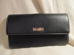 Nine & Co. leather check book
