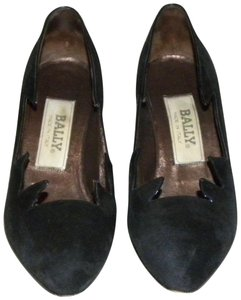 Bally Italy Kid Suede Cut Out Statement Black Pumps