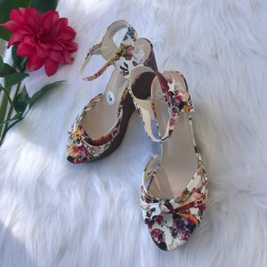 Fergalicious by Fergie white and floral Wedges