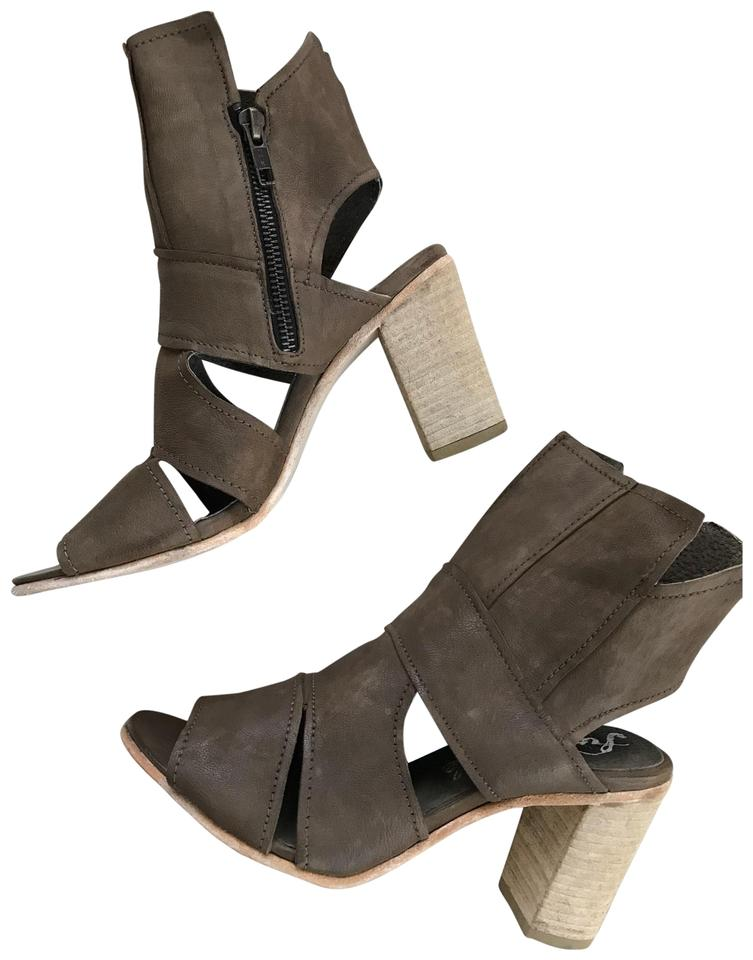 Free People Heels Taupe Gray Leather Blocked Heels People Platforms 4211d9