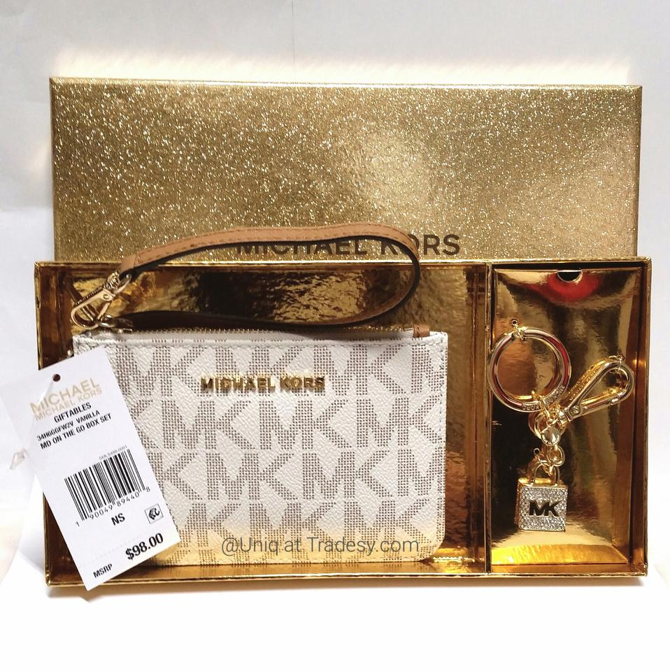 2a59d0d638dd Michael Kors Mk Leather Real Genuine Mk Wallet Wristlet in Sale __ Last 1  __ Vanilla. 1234567