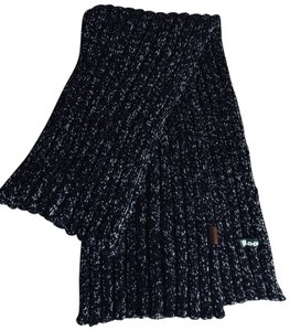 Roots Gorgeous 72-Inch Black And White Winter Scarf