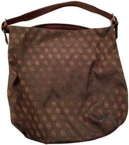 Dooney & Bourke Large Tote in green/brown