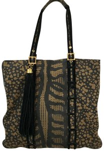 Tory Burch Tote in Brown/Black
