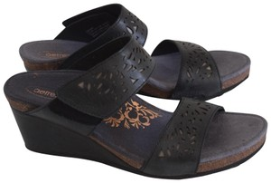 Aetrex black Wedges