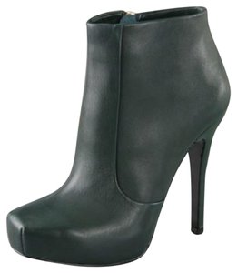 House of Harlow 1960 Green Boots