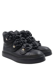 fce0a1b83688 Chanel High Top Camellia Pearl Leather Sneakers navy blue Athletic