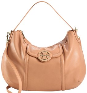 Tory Burch on Sale - Up to 70% off at Tradesy fae44c02d6f39