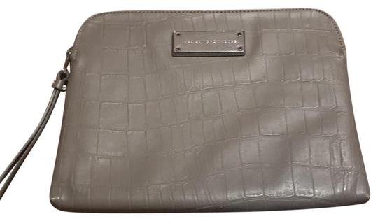 Preload https://img-static.tradesy.com/item/22591426/marc-by-marc-jacobs-grey-ipad-case-tech-accessory-0-1-540-540.jpg