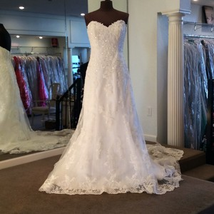 Maggie Sottero Ivory Lace 13533tzu Traditional Wedding Dress Size 10 (M)