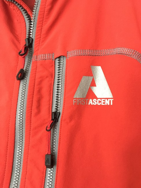 Eddie Bauer Men's Softshell Jkt First Ascent Size S Smoke-free/Pet-free Brick red Jacket Image 2