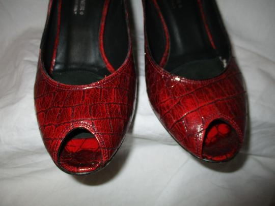 Donald J. Pliner Croc Leather Patent Leather Peep Toe Open Toe red Pumps Image 6