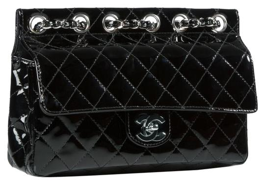 Preload https://img-static.tradesy.com/item/22599774/chanel-classic-flap-supermodel-super-rare-quilted-black-patent-leather-shoulder-bag-0-1-540-540.jpg