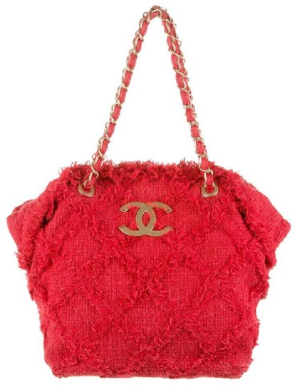Preload https://img-static.tradesy.com/item/22600011/chanel-fringe-limited-edition-red-tweed-tote-0-0-540-540.jpg