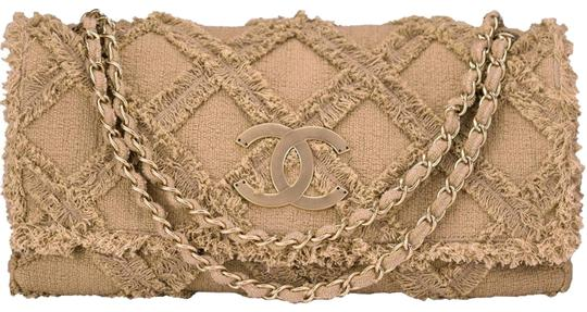 Preload https://img-static.tradesy.com/item/22600071/chanel-crochet-giant-flap-beige-tweed-shoulder-bag-0-6-540-540.jpg