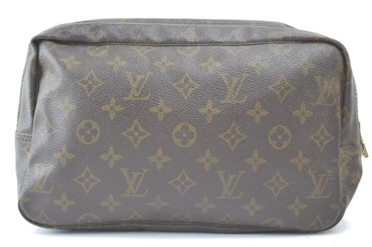Preload https://img-static.tradesy.com/item/22600291/louis-vuitton-brown-trousse-pouch-m47522-toilette-28-10768-cosmetic-bag-0-0-540-540.jpg