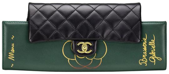 Preload https://img-static.tradesy.com/item/22600349/chanel-classic-flap-gabrielle-clutch-brasserie-menu-green-and-black-lambskin-leather-clutch-0-4-540-540.jpg