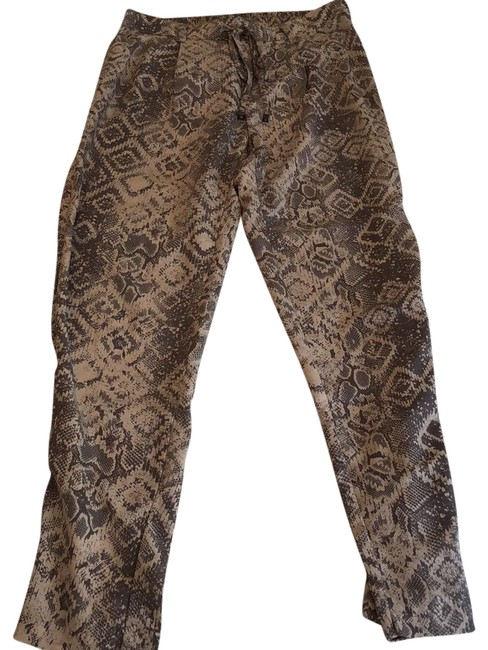 Preload https://img-static.tradesy.com/item/22600678/harlowe-and-graham-relaxed-fit-pants-size-4-s-27-0-1-650-650.jpg
