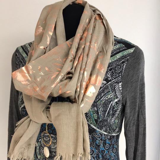 SAACHI Rose Golden Scarf