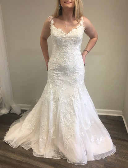 Preload https://img-static.tradesy.com/item/22601144/mia-solano-ivorylight-gold-lacetulle-catalina-m1601z-traditional-wedding-dress-size-12-l-0-1-540-540.jpg