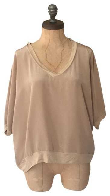Preload https://img-static.tradesy.com/item/22601245/matty-m-beige-silk-blouse-size-8-m-0-1-650-650.jpg