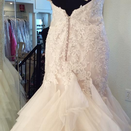 Mori Lee Light Gold Lace/Tulle 6813 Modern Wedding Dress Size 6 (S)