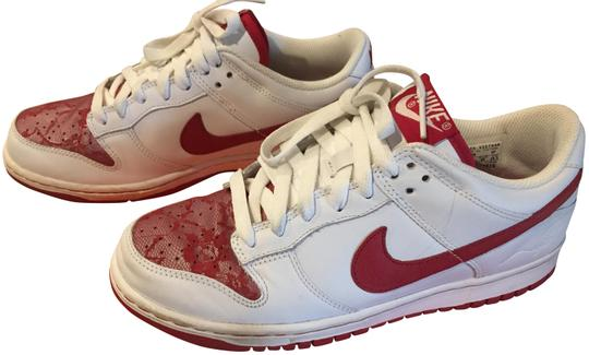 Preload https://img-static.tradesy.com/item/22602151/nike-white-and-red-2006-women-s-dunk-low-valentine-s-day-edition-varsity-3-sneakers-size-us-85-regul-0-1-540-540.jpg