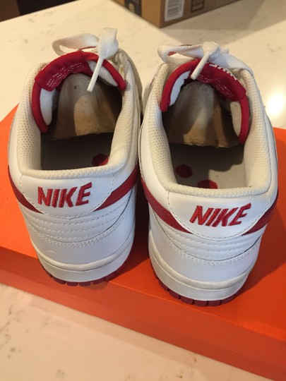 Nike Women's Sneaker Dunk White and Red Athletic