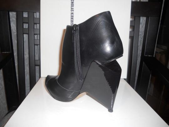 Nicholas Kirkwood Black Leather Cutout Wedge Heel Ankle Boots/Booties Boots