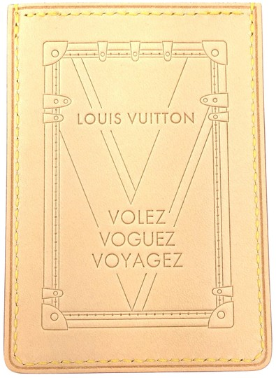 Preload https://img-static.tradesy.com/item/22602231/louis-vuitton-natural-15853-vachetta-leather-card-case-credit-business-pass-case-wallet-0-1-540-540.jpg