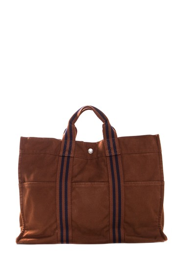 Preload https://img-static.tradesy.com/item/22602414/hermes-fourre-tout-mm-snap-closure-brown-canvas-tote-0-0-540-540.jpg