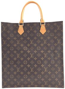Louis Vuitton Tote in #15800 Monogram