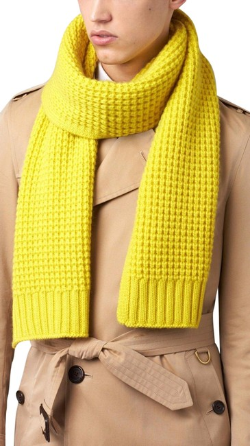 Burberry Yellow Cashmere Large Waffle Knitted Scarf/Wrap Burberry Yellow Cashmere Large Waffle Knitted Scarf/Wrap Image 1