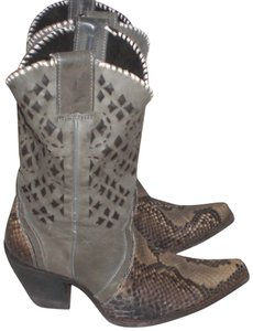 CUADRA Leather gray Boots