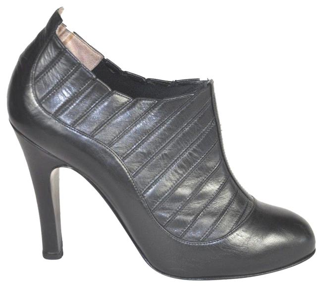 Chanel Black Paris-new York Leather Round-toe Boots/Booties Size EU 39.5 (Approx. US 9.5) Regular (M, B) Chanel Black Paris-new York Leather Round-toe Boots/Booties Size EU 39.5 (Approx. US 9.5) Regular (M, B) Image 1