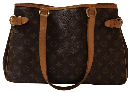 Preload https://img-static.tradesy.com/item/22603314/louis-vuitton-batignolles-monogram-canvas-leather-tote-0-1-540-540.jpg