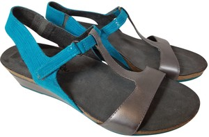 Naot gray metallic/ azul blue Sandals