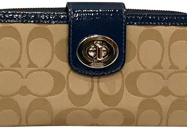 Coach Beige N Navy Clutch Wallet Coach Beige N Navy Clutch Wallet Image 1