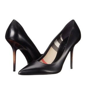 Burberry Deighton Size 39 Black Pumps