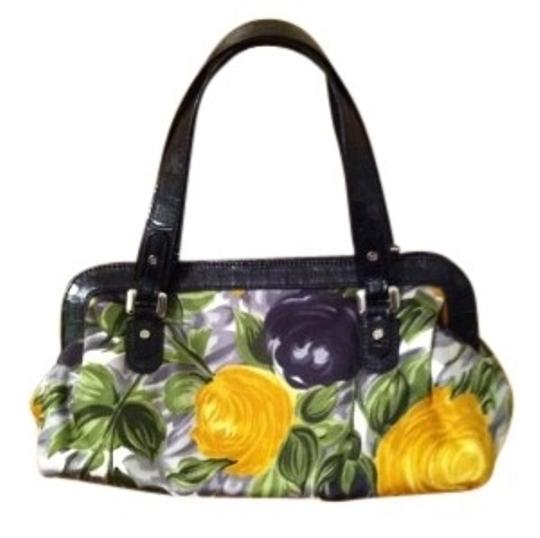 Preload https://img-static.tradesy.com/item/22604/kate-spade-purse-uniquerare-to-find-floral-leathercottonsatin-blend-baguette-0-0-540-540.jpg