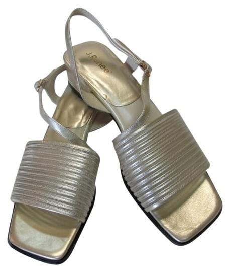 J. Renee New Excellent Condition LIGHT GOLD Sandals