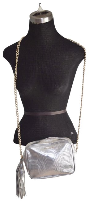 Item - Silver Faux Leather Cross Body Bag