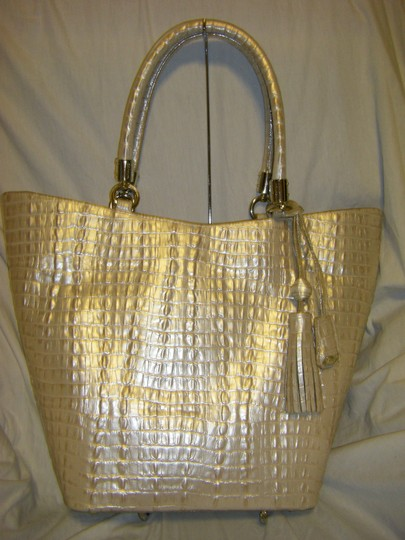 Brahmin Sweetheart Shimmer La Scala K40626hh. Shimmer Is A Light With An Iridescent Finish Tapered Shape 17