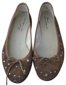 Anniel Brown suade and silver stars Flats