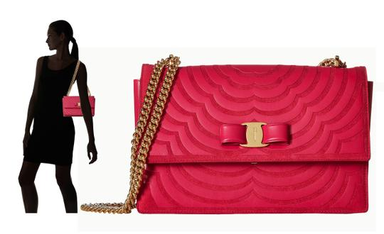 Preload https://img-static.tradesy.com/item/22607975/salvatore-ferragamo-ginny-hot-pink-leather-suede-shoulder-bag-0-4-540-540.jpg