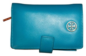 Tory Burch Wristlet in Electric Eel